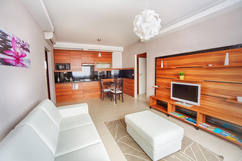 Zafír Apartmanház, Sárvár