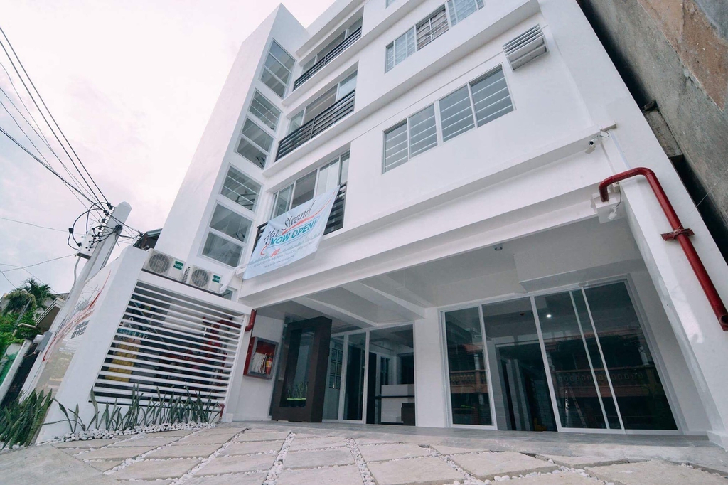 The Strand Suites and Dormitel, Davao City