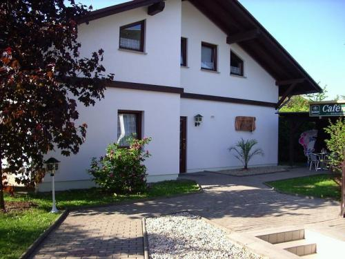 Cafe Hoyer Pension und Appartements, Weimarer Land