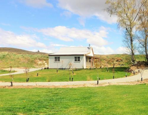 Lexi's Lodge, Mackenzie