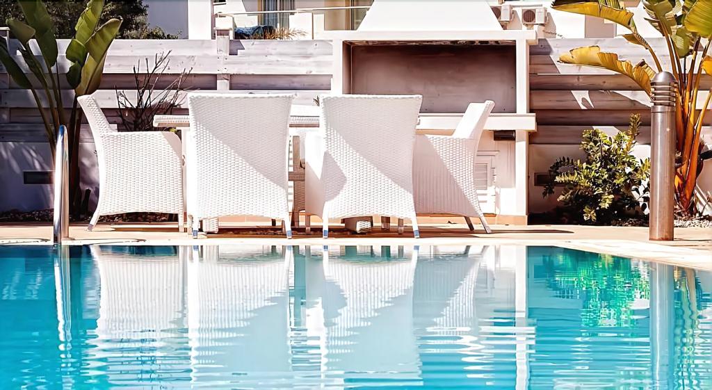 Athena Beach Villa,