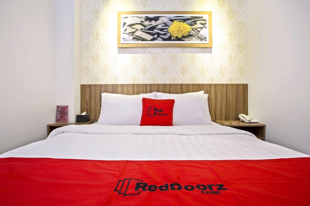 RedDoorz Plus @ Jalan Kaliurang, Sleman