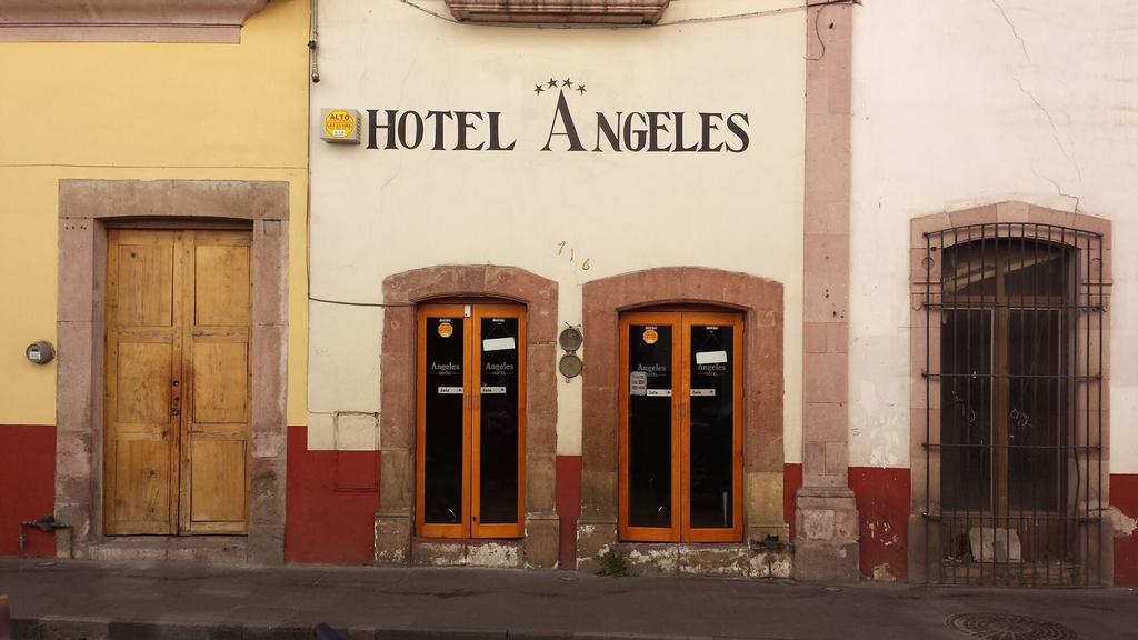 Hotel Angeles, Vetagrande