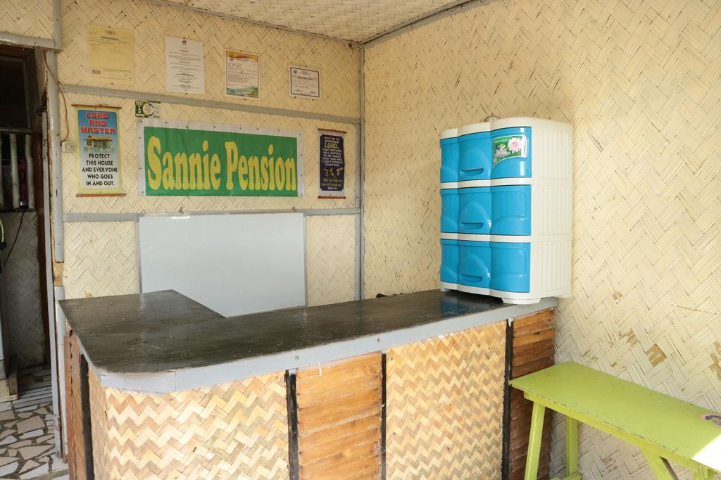 Sannie Pension, El Nido