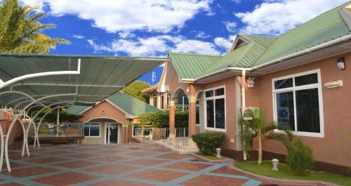 Triple J Resort, Kigoma Urban