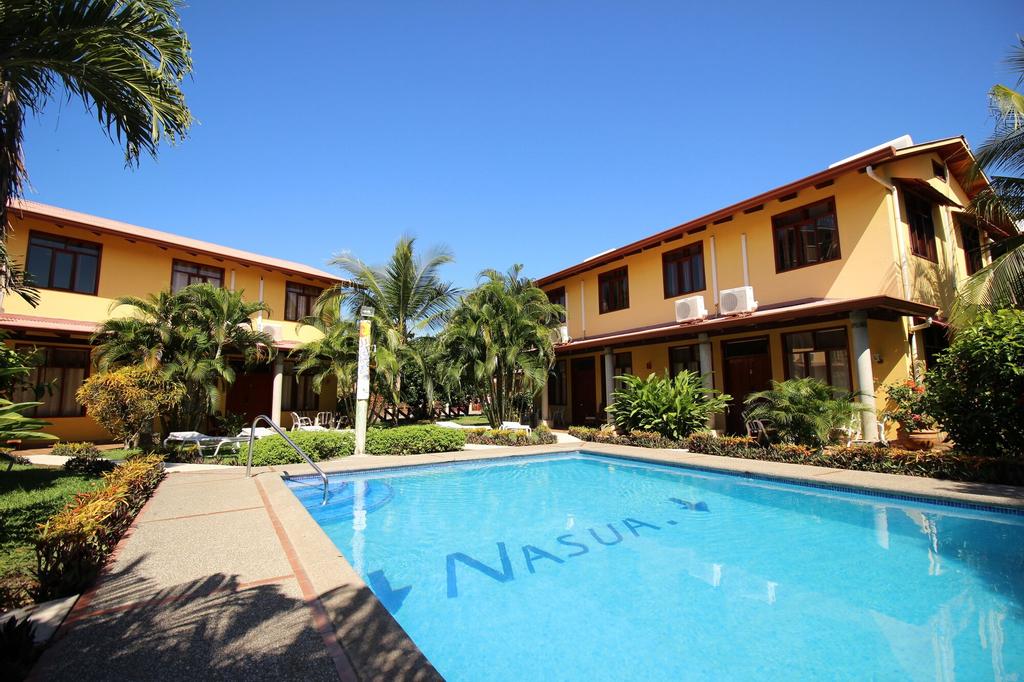Villa Nasua, Garabito