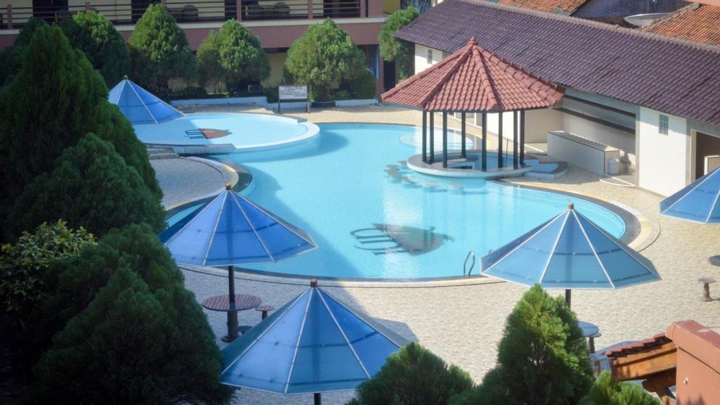 Uni Beach Hotel, Pangandaran