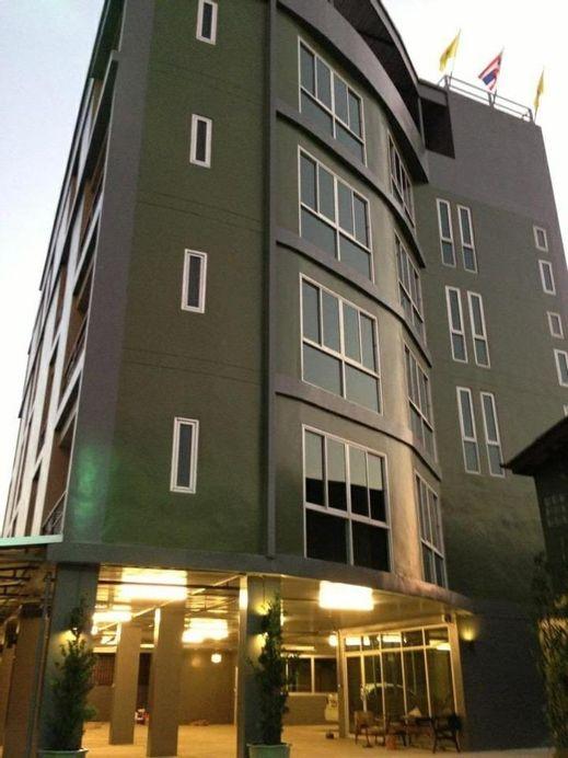 The State Apartment , Bang Su