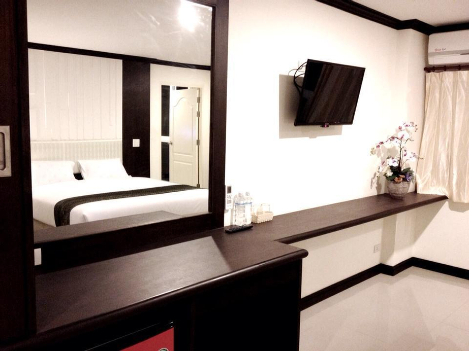 The Capital Hotel, Muang Roi Et