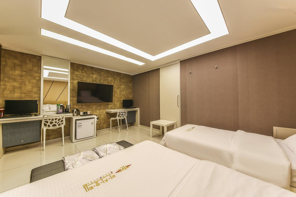 Richi Hotel, Suwon
