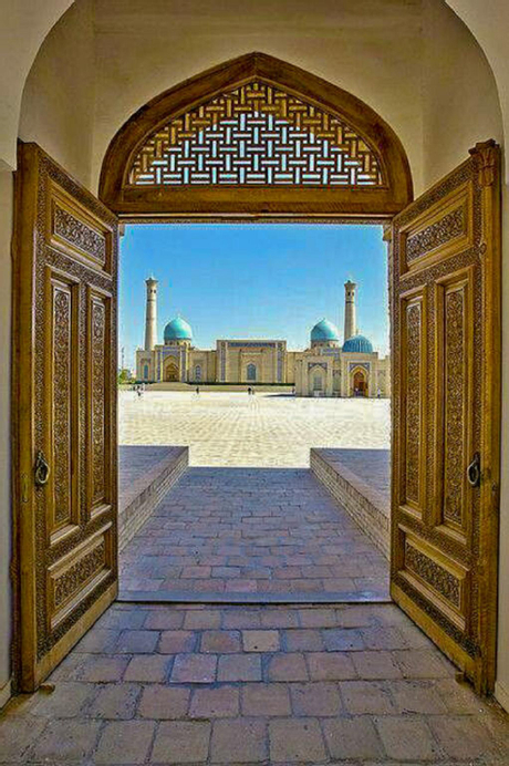 Spacious Apartment in Central Touristic Location, Tashkent City