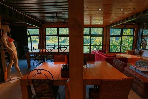 GISY Lake House, Sóc Sơn