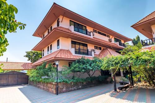 Primrose Place, Phuttha Mon Thon
