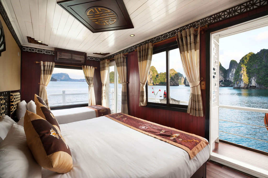 Halong Apricot Cruise, Hạ Long