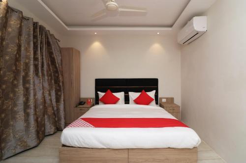 OYO 74597 Alpha Motimahal Hotel & Restuarant, Maharajganj