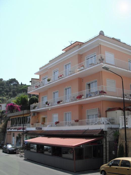Hotel Nettuno, Imperia