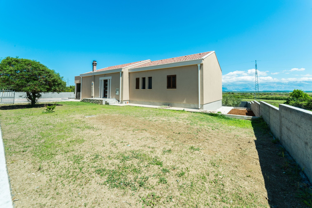 Villa Maslina with Private pool, Nin