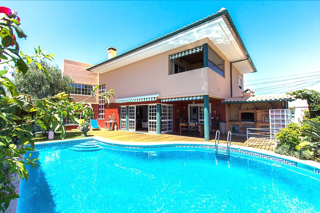 Casa do Chafariz w/ Pool by Homing, Cascais