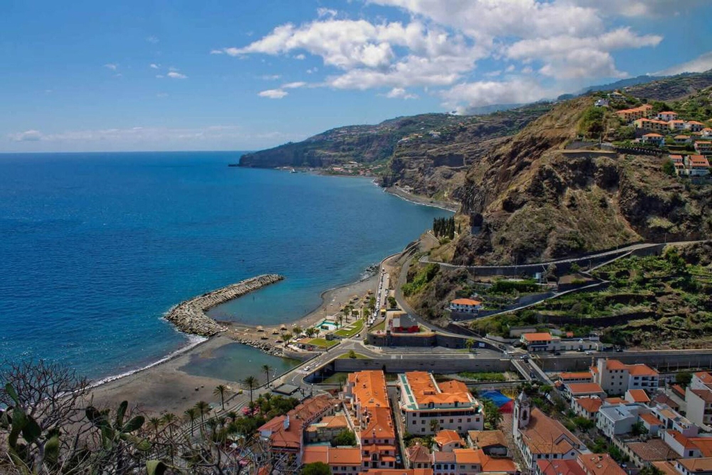 House With 3 Bedrooms in Ribeira Brava, With Enclosed Garden and Wifi - 50 m From the Beach, Ribeira Brava