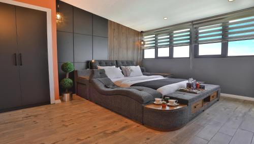 Sweet Home Suite Hotel, Merkez