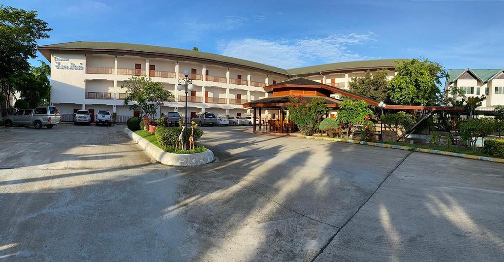 CK Hills Hotel, Mae Sot
