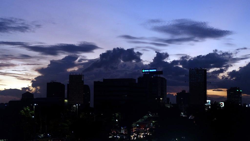 Strategic Location Signature Park Apartment Tebet, Jakarta Selatan