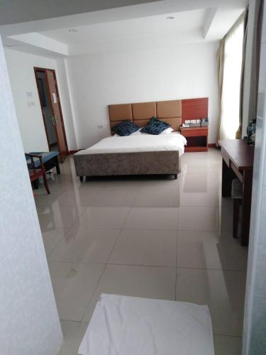 Z.H.P Hotel, Khlong Luang