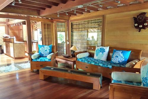 Fare Makana by Tahiti Homes,