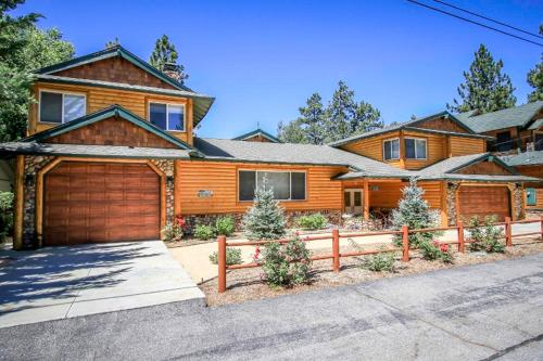 Big Bear Biltmore Home, San Bernardino