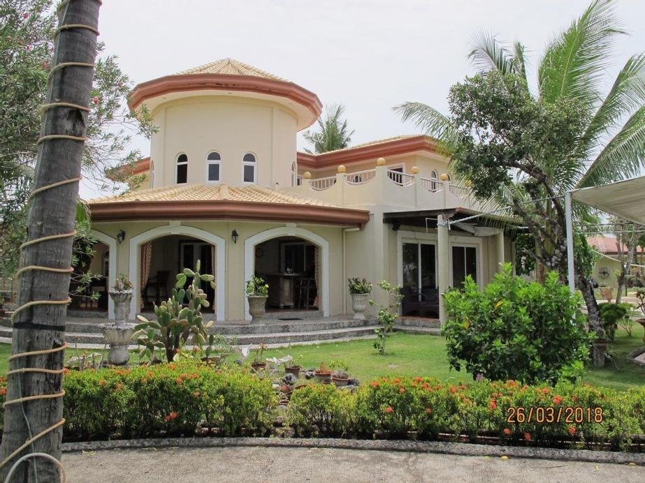 Cabilao Sunset Dive & Beach Resort, Loon