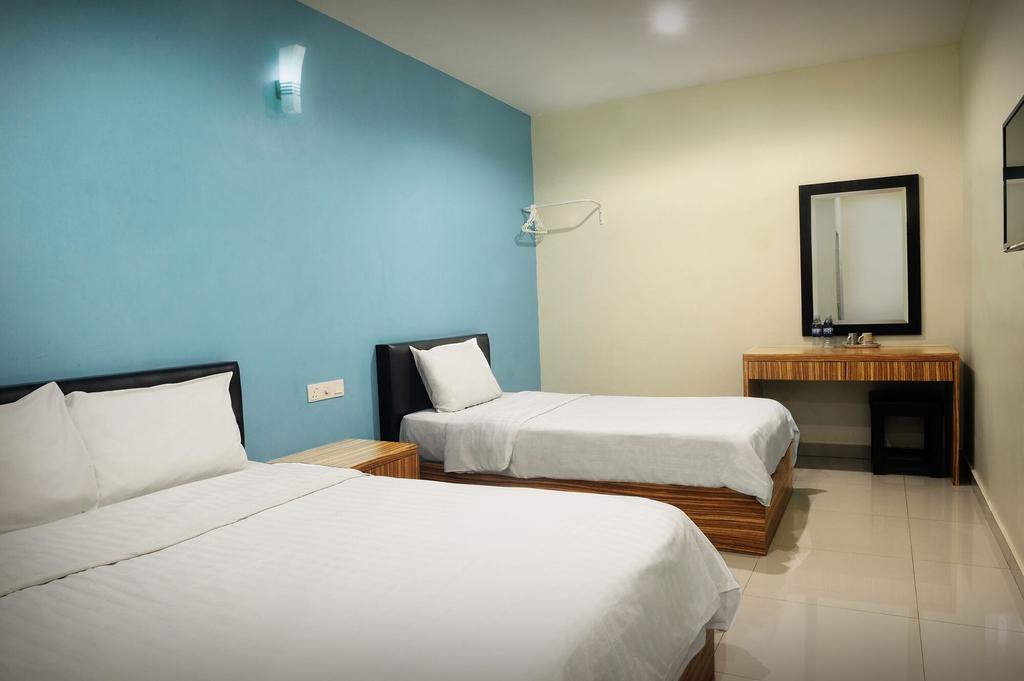 Brezza Hotel, Manjung