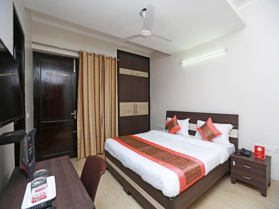 OYO 11911 Go rooms, Gurgaon