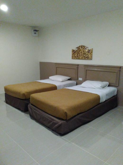 Tongpoon Hotel, Pathum Wan