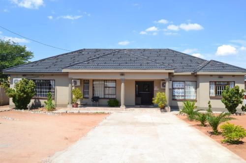 3 Doves Guest House, Lethlakane
