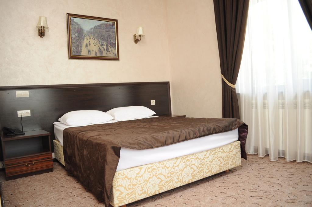 Villa Le Grand, Boryspil's'ka