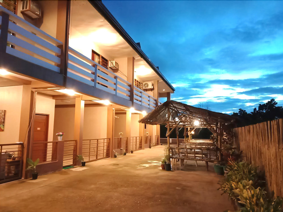 Red Forest Guest House, Coron