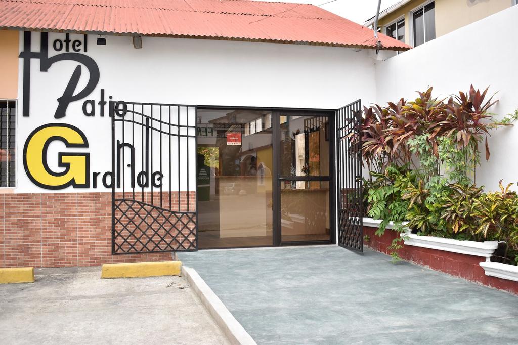 Hotel Patio Grande, Flores