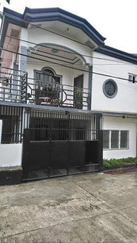 The NEST... A 2-storey cozy house with free wifi, Davao City