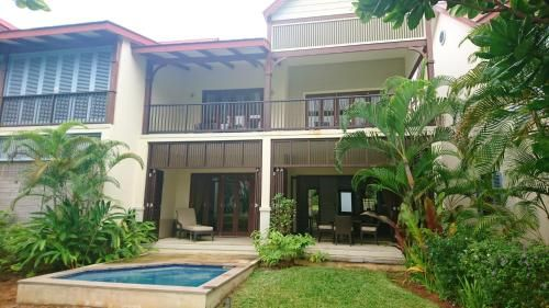 House with 3 bedrooms in Mahe with wonderful sea view private pool and enclosed garden 100 m from th,