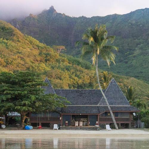 Chez Jay Moorea Beach House,
