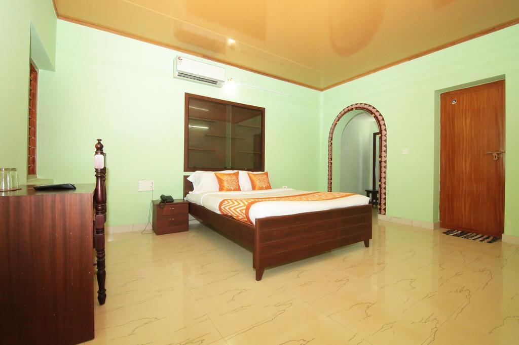 OYO 8839 near Vadackal beach Road, Alappuzha