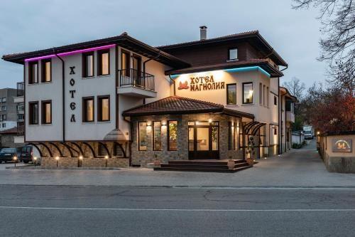 Семеен хотел Магнолия, Kazanlak