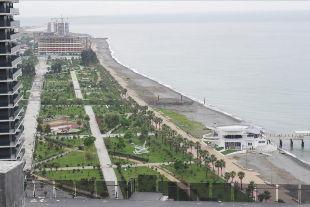 KNJZ, Batumi