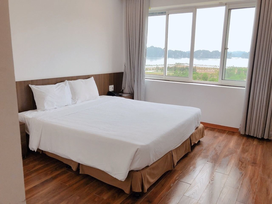 Hiddencharm hotel, Hạ Long