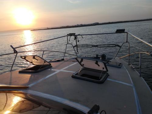 exclusive boat rental in lisboa - Sleep Over Water - 46 feet most spacious in its category, Lisboa
