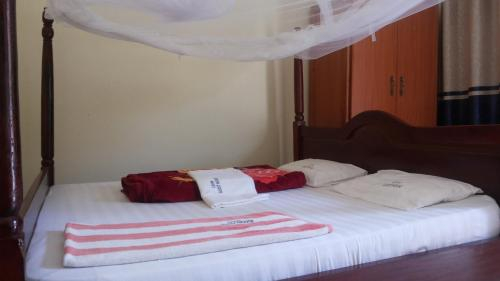 Leam Guesthouse, West Moyo