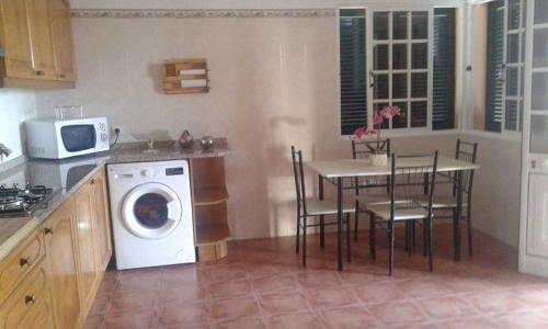 Freitas & Silva Home - Sea View + Garden + Wifi + BBQ, Santa Cruz