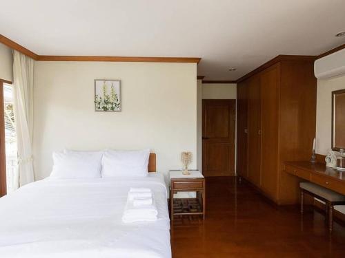 Royal Riverside Villa Chao Phraya View Suite, Dusit