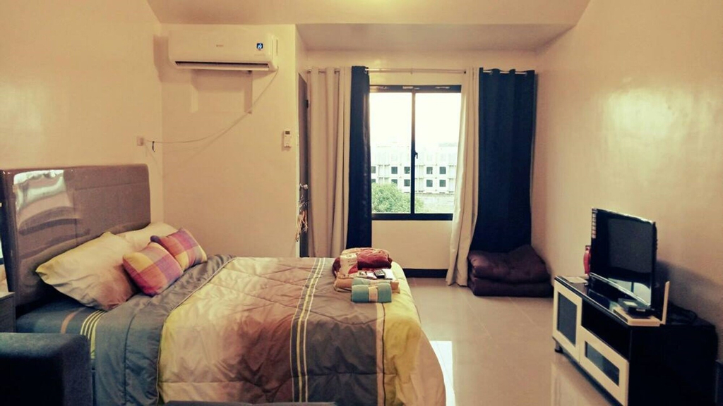 Darvy Suites, Muntinlupa