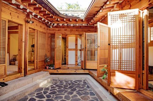 52salon Hanok Guesthouse, Seongbuk